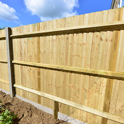 Do I need my neighbour's permission for a garden fence?